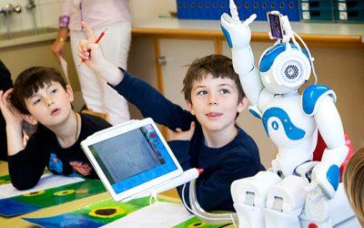 Robot ve Çocuk İlişkisi